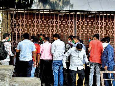 Liquor sale: Amid lockdown, 20 per cent standalone shops in Mumbai looking to shut their businesses