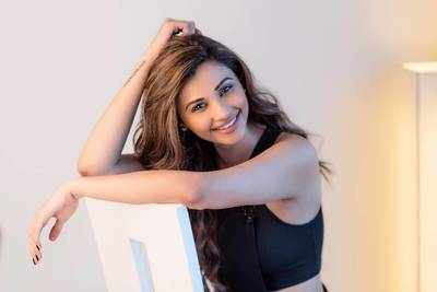 Race 3 viral dialogue meme: Daisy Shah loves Mumbai Police meme, calls them 'cool'