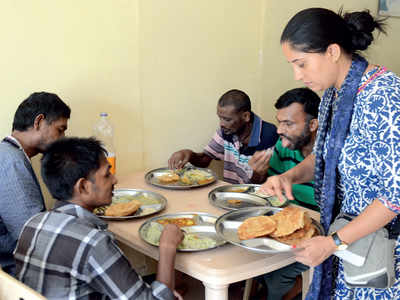 Bengalureans from diverse backgrounds come together to cook food for inmates of Fosa Humanitarian Hospital