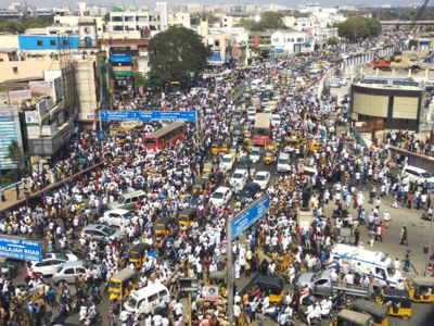 Chennai erupts in protest against CAA, police foil attempt by protesters to lay siege to the Secretariat