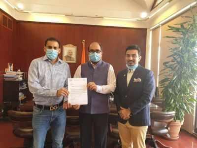 Dubai businessman organizes charter flights to Mumbai, Pune