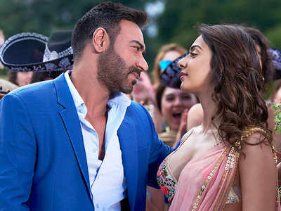 De De Pyaar De movie review: Ajay Devgn, Rakul Preet and Tabu-starrer gives a strong message about how love works in mysterious ways