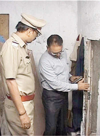 Thane cops find tunnel used to smuggle women from bar to flats above