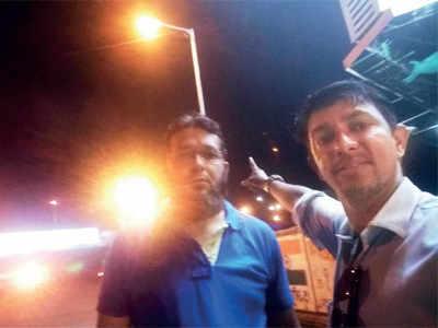 BEST starts repairs on street lights after Operation Batti Gul