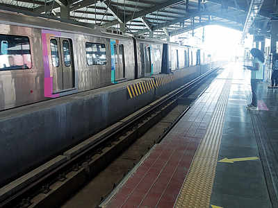 Cool down, the AC's on: Mumbai Metro dismisses commuters' complaints, says temperature maintained at 22-25 degrees Celsius