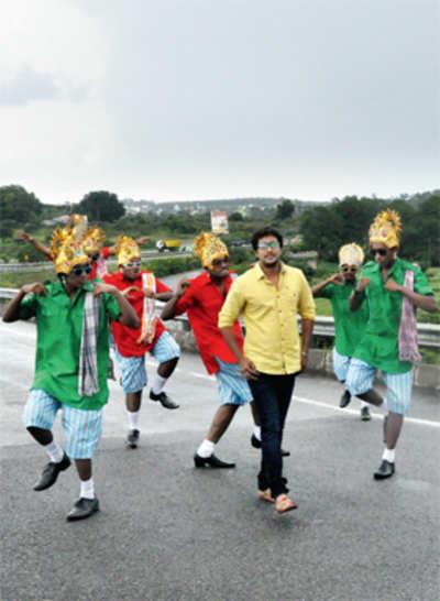 Prem dances to Sudeep's voice