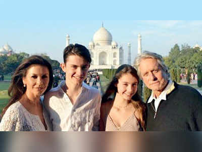Catherine Zeta-Jones, Michael Douglas in India