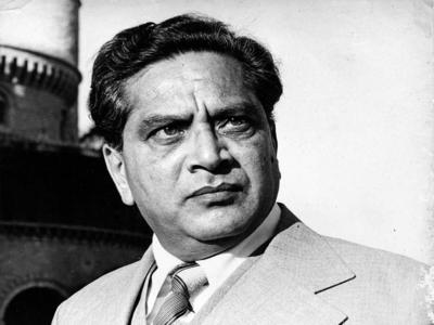 Tributes pour in for veteran actor Shreeram Lagoo