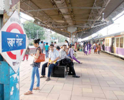Regular Harbour Line 12-car services may begin only by the end of 2015