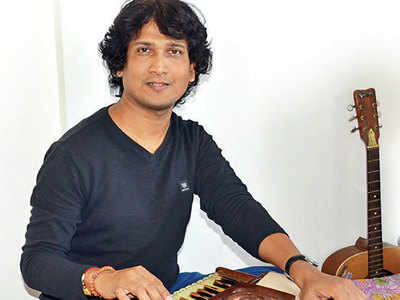 On a solo trip: Musician from Pimpri- Chinchwad touring Italy, Germany and Switzerland to promote harmonium as a solo instrument