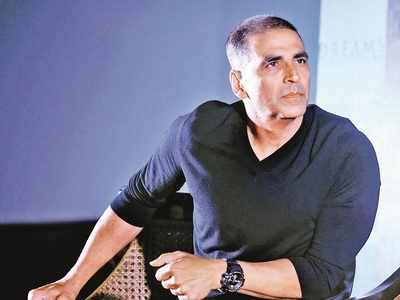 Here's what Akshay Kumar did after minister Jitendra Awhad targeted him