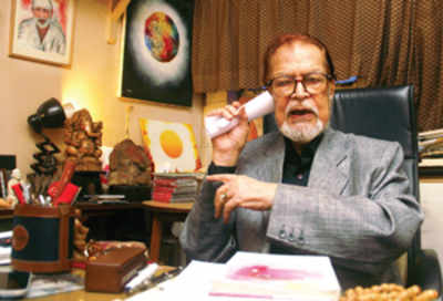 Psychic healer allowed to run clinic in Bombay Hospital