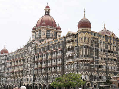 2 hold seminar at the banquet of the Taj Mahal Hotel, leave without paying
