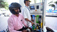 Oil companies cut petrol prices by 7 paise per litre, diesel cheaper by 5 paise