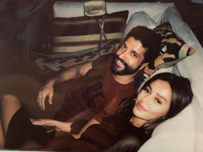 Farhan Akhtar pens romantic post for Shibani Dandekar