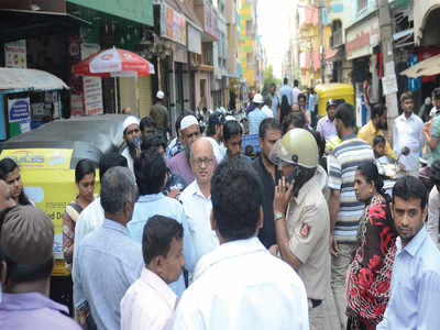 Protesters gather to oppose Hosalli Road widening