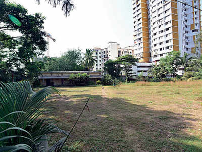 Pvt party gets stake in sports complex