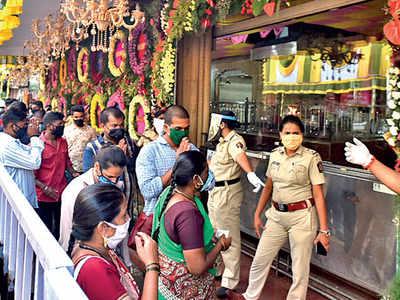 Avoid crowding, police warn Ganesh mandal