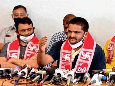 Hardik draws on Patidar power, takes charge as working prez of Guj Cong