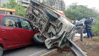 Tempo collides with cars in Navi Mumbai, 1 injured
