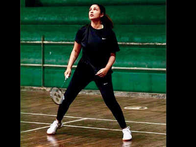 Parineeti Chopra to continue training with Eshan Naqvi for Saina Nehwal biopic in London while shooting for The Girl on The Train