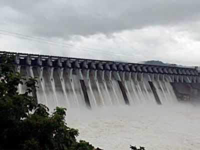 Gujarat government issues alert as Sardar Sarovar Dam water level crosses 136 m