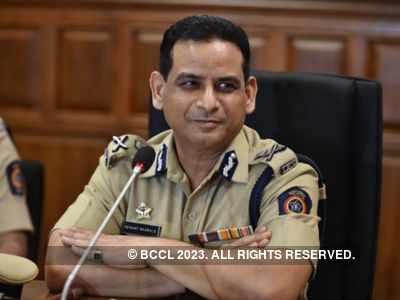 Mumbai CP Hemant Nagrale reviews implementation of COVID-19 curbs