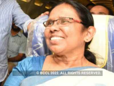 Mother of five offers to sell her organs to pay house rent and meet treatment cost of her children; Health Minister KK Shailaja comes to rescue of family
