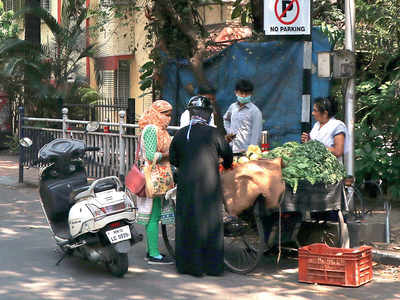 PMC bans vegetable sellers inside socs to avoid overcrowding