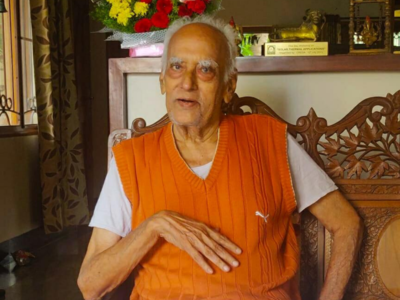 Veteran journalist Chakravarthula Raghavachari, known as Moving Encyclopedia, passes away