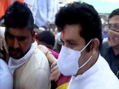 10,000 flock Maharashtra minister Sanjay Rathod's convoy, caned