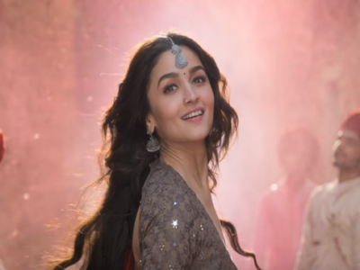 Kalank Box Office Collection Day 3: Alia Bhatt Varun Dhawan starrer collects Rs 10.75 crore on first Friday