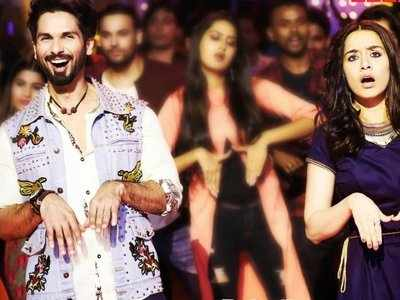 Watch: Batti Gul Meter Chalu song Hard Hard: Shahid Kapoor, Shraddha Kapoor set the dance floor on fire with their electrifying moves