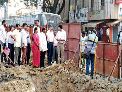 Tejasvi Surya directs officials to fix Bannerghatta Road