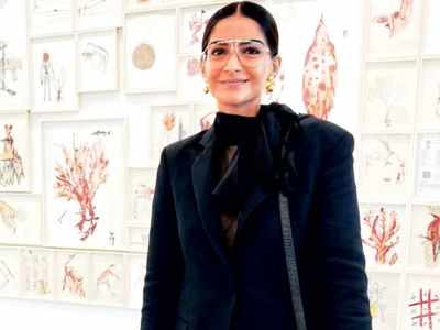 Sonam Kapoor Ahuja attends India Art Fair with Sanjay Garg in Delhi