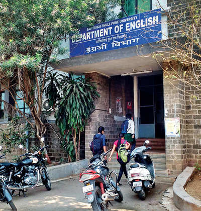SPPU'S ENGLISH DEPT FACES FALL FROM GRACE