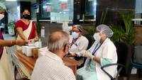 Noida: Vaccination underway at district hospital