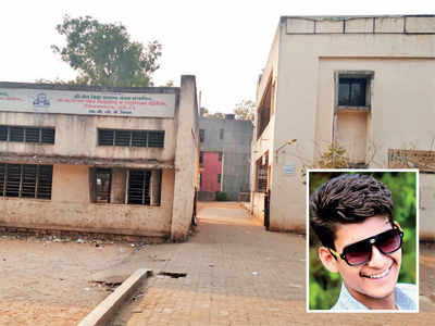Classmates stab 17-yr-old with sickle