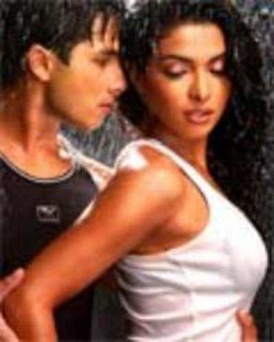 är Priyanka dating Shahid