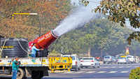 Air pollution: Delhi's Central Park gets anti-smog machine