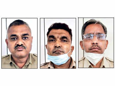 3 cops caught taking Rs 100 'hafta' - Rs 33 per head