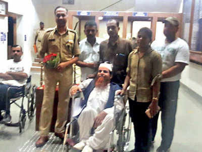 Pune CP's gesture appeals to group of differently abled