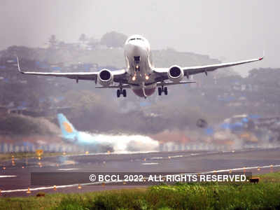 COVID-19 vaccines hold hope of recovery for Indian airlines