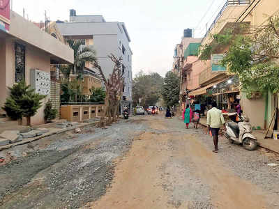 Several cross roads in the Horamavu ward, from Agara to Hennur, have been dug up for various reasons.