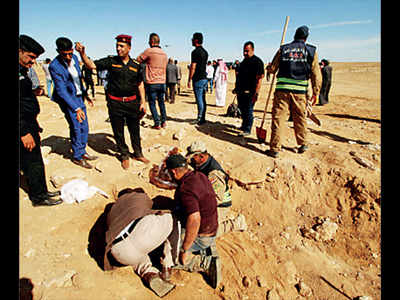 Iraq digs up mass grave of Kurds killed by Saddam