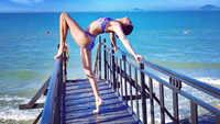Chandramukhi Chautala aka Kavita Kaushik flaunts her flexible body in bikini!