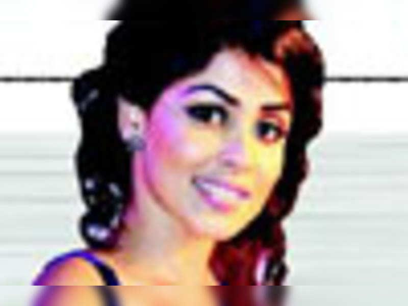 Genelia, Hansika for Dhanush?
