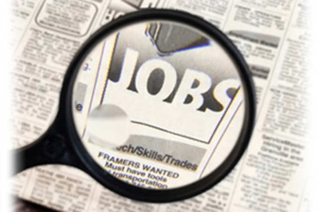 Six top executives of mobile phone companies are hunting for new jobs.