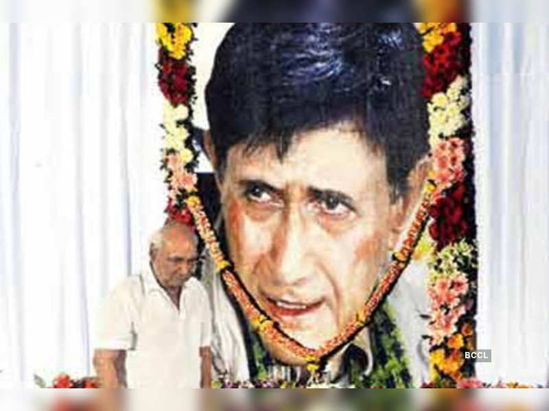 B-town celebs was there to pay his tributes