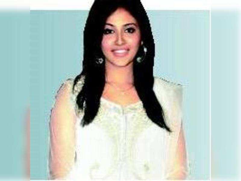 Murugadoss ropes in Anjali again!